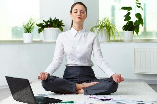 Гимнастика на рабочем месте: 11 простых упражнений