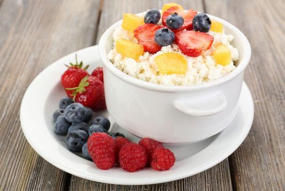Разгрузочный день на твороге и фруктах: вкусный секрет сытого похудения
