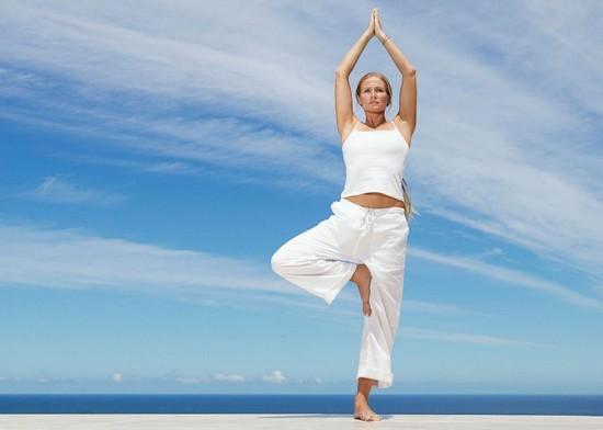 Упражнение йоги для развития равновесия