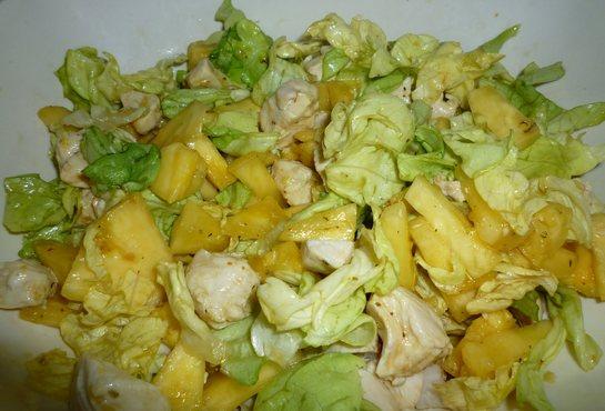 салат из грудки и капусты пекинской