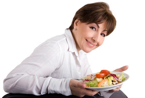 Почему женщина полнеет после 40