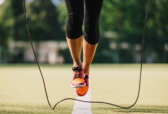 Сколько калорий теряется при прыжках на скакалке?