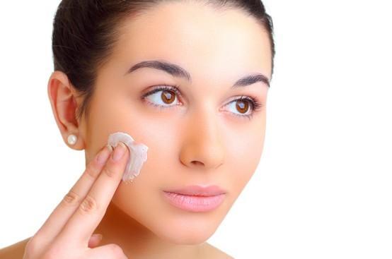 Опасные ингредиенты в косметике: что вредит здоровью кожи