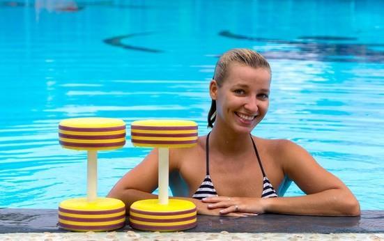 Помогает ли аквааэробика похудеть