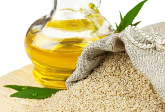Кунжутное масло: невероятные полезные свойства, противопоказания и применение