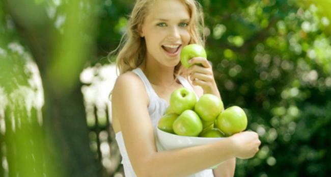 7 причин есть зеленые яблоки натощак