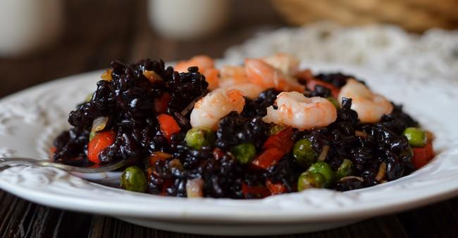 Бесподобная польза и возможный вред черного риса