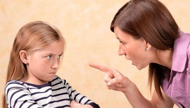 Мама, не говори так! Как научиться не обижать ребенка словами