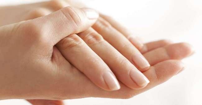 Странные белые пятна на ногтях пальцев рук у женщин - главные причины