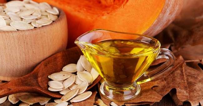 Как принимать супер-полезное тыквенное масло и какой вред оно способно принести