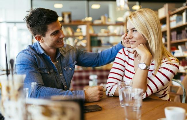 7 способов привлечь внимание любого мужчины!
