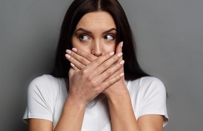 8 вещей в отношениях, о которых не стоит рассказывать даже друзьям