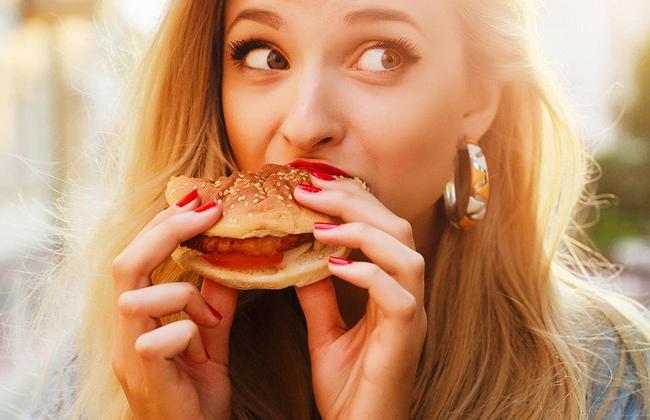 13 вещей, которые произойдут с вашим телом, если вы регулярно употребляете фастфуд