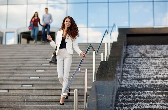 9 удивительных преимуществ ходьбы по лестнице для похудения