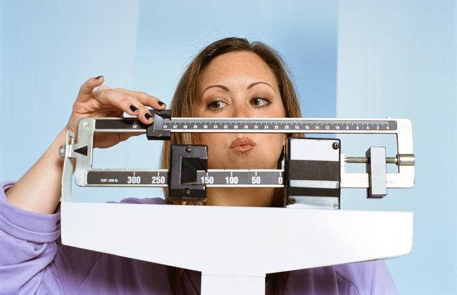 Почему люди набирают вес после 40 и как этому противостоять?