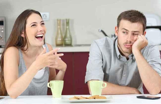 Не только шопинг! 6 женских привычек, которые мужчины переносят с трудом
