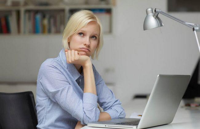10 офисных привычек, которые разрушают наше здоровье!