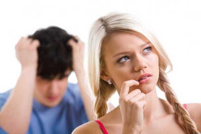ТОП-5 фраз, которые делают женщину глупой в мужских глазах