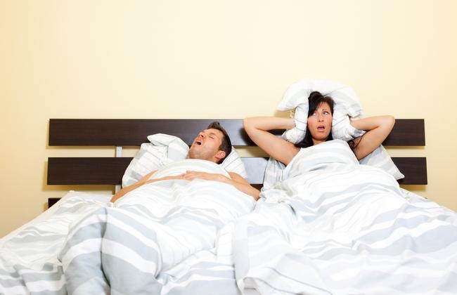 Как совместный сон разрушает отношения и провоцирует ожирение