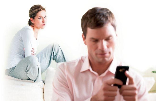 5 признаков того, что ваш мужчина ведет двойную игру