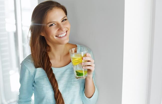 Детокс-вода для похудения, красоты и здоровья: что это такое и как её сделать самому