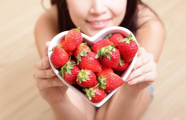 Пожалуй, самый вкусный способ похудеть – 8 ягод, которые помогут вам получить стройную талию