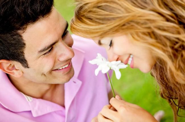7 вещей, которые любящий мужчина всегда делает для своей женщины