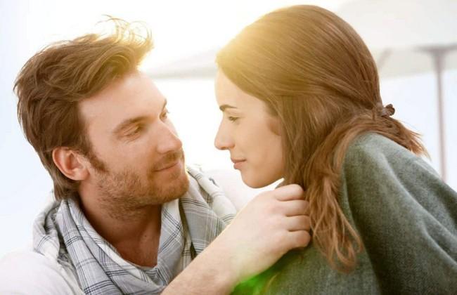 Влюблён, равнодушен, заинтересован... О чём может рассказать взгляд мужчины?