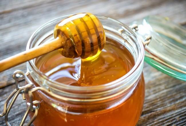 Мёд вместо сахара – нужно ли заменять и что из них полезнее? Ответ вас удивит!