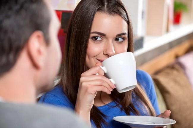 5 трюков, которые помогут сразу понравиться незнакомцу