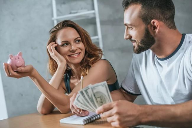 5 причин научиться просить деньги у мужчины и стать для него более ценной