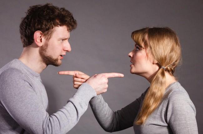 5 вредных привычек в отношениях, которые провоцируют ссоры (многие их не замечают)