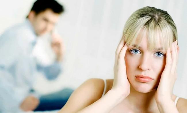 Внушения, которыми мужчина обесценивает женщину. И считает, что так и надо