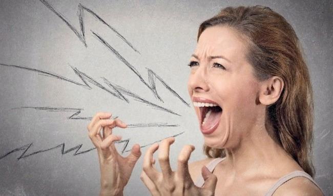 5 верных признаков людей, несущих в вашу жизнь негатив