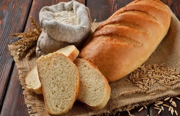 Какой хлеб лучше есть - свежий или подсушенный?