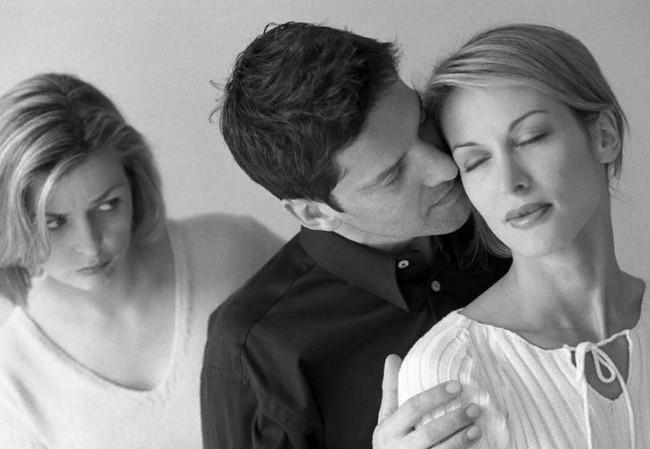 «Обман обманутых жён»: 3 мифа об изменах, которые усиливают боль и обиду