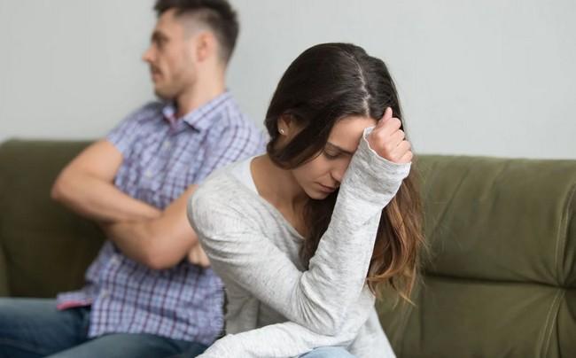 «Как суперклей»: 3 коварных механизма, которые удерживают вас в несчастливых отношениях